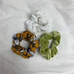 Francesca's set of scrunchies